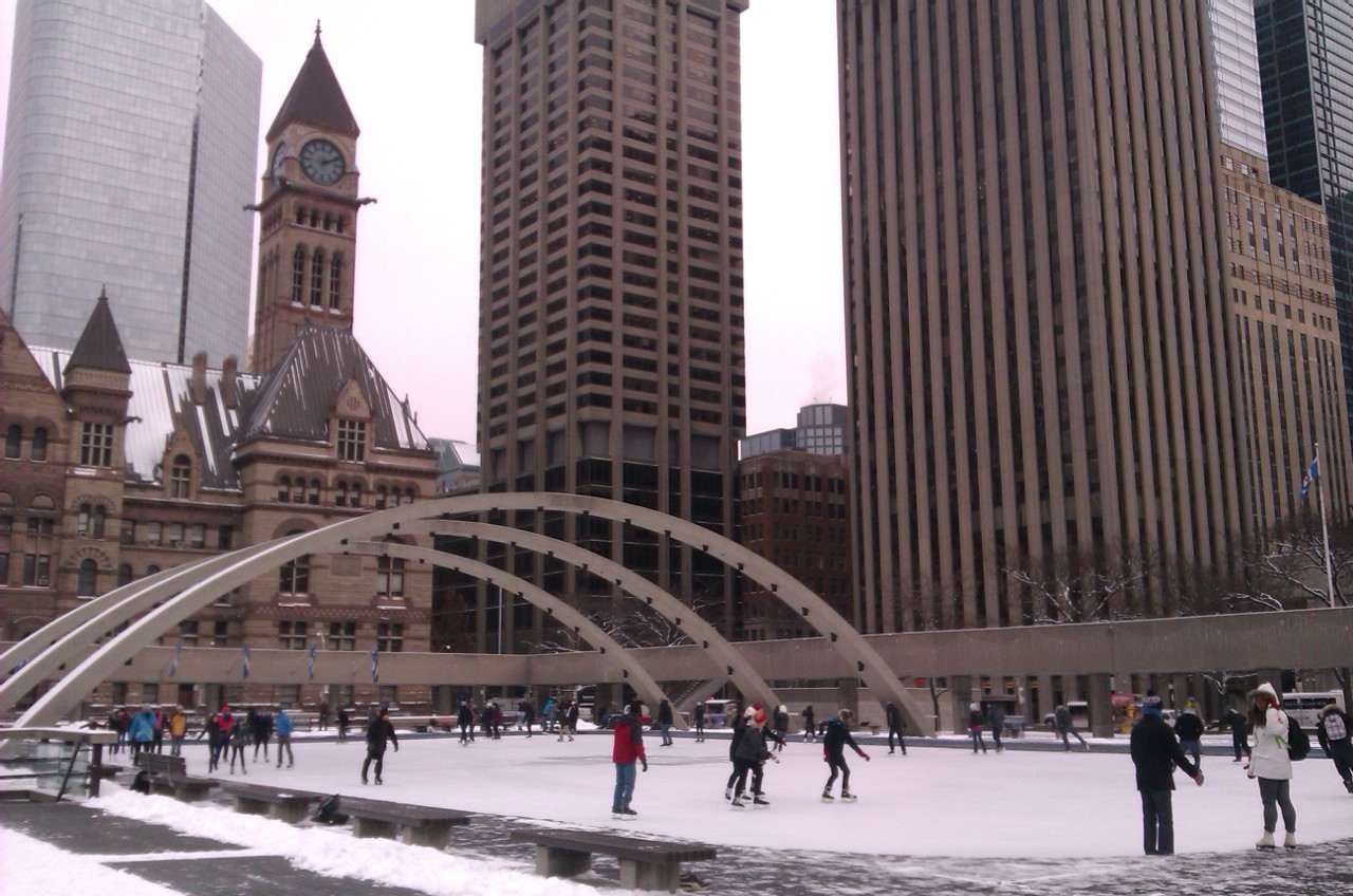 Skating rink Toronto City Hall